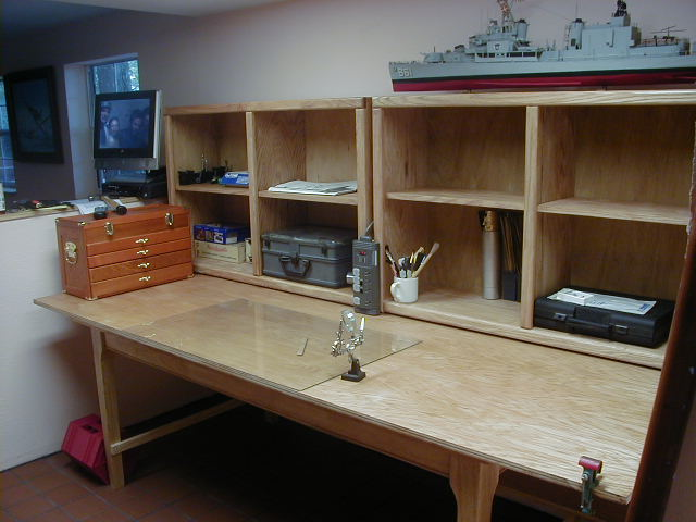 Image Gallery hobby desk